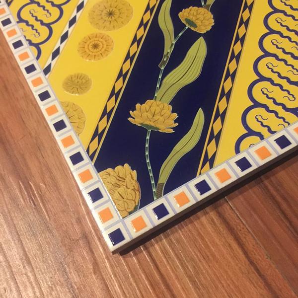 Desain Batik Fractal untuk L'occitane