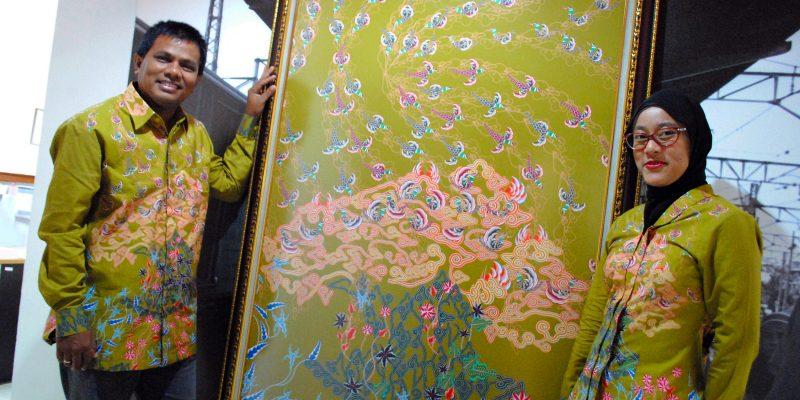 Seragam Batik Fractal untuk MERCY CORPS
