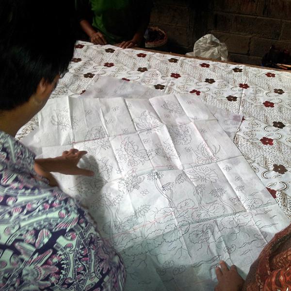 Diskusi Batik Fractal dengan pembatik Tulungagung
