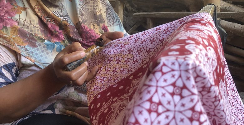 Membatik Motif Kawung Batik Fractal