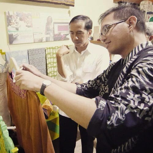 Seragam Batik Solo Kalinggo Batik-Batik Tulis Muhammad Lukman Kunjungan Jokowi