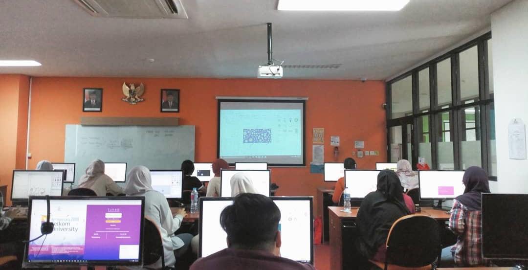 Pelatihan jBatik di Telkom University