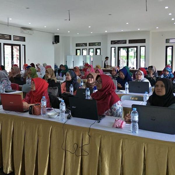 Training jBatik bersama guru Jawa Barat