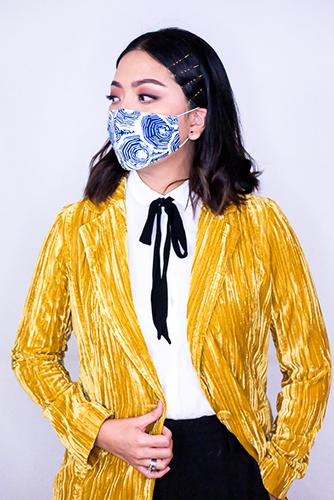 batik fractal mask sisik biru 1