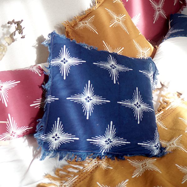 BLUE STAR SQUARE CUSHION STYLING 1
